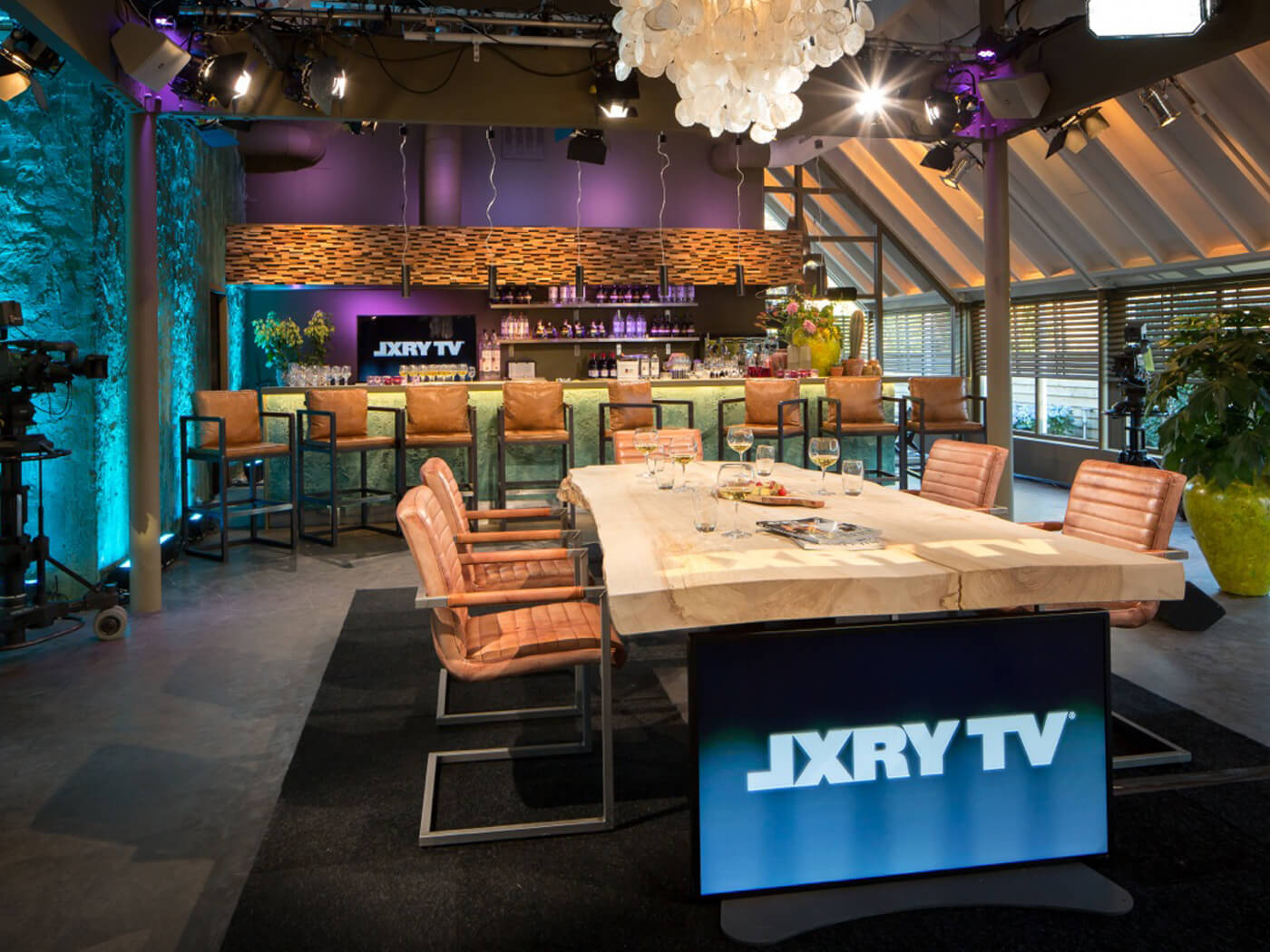 Decor design JFK LXRY TV