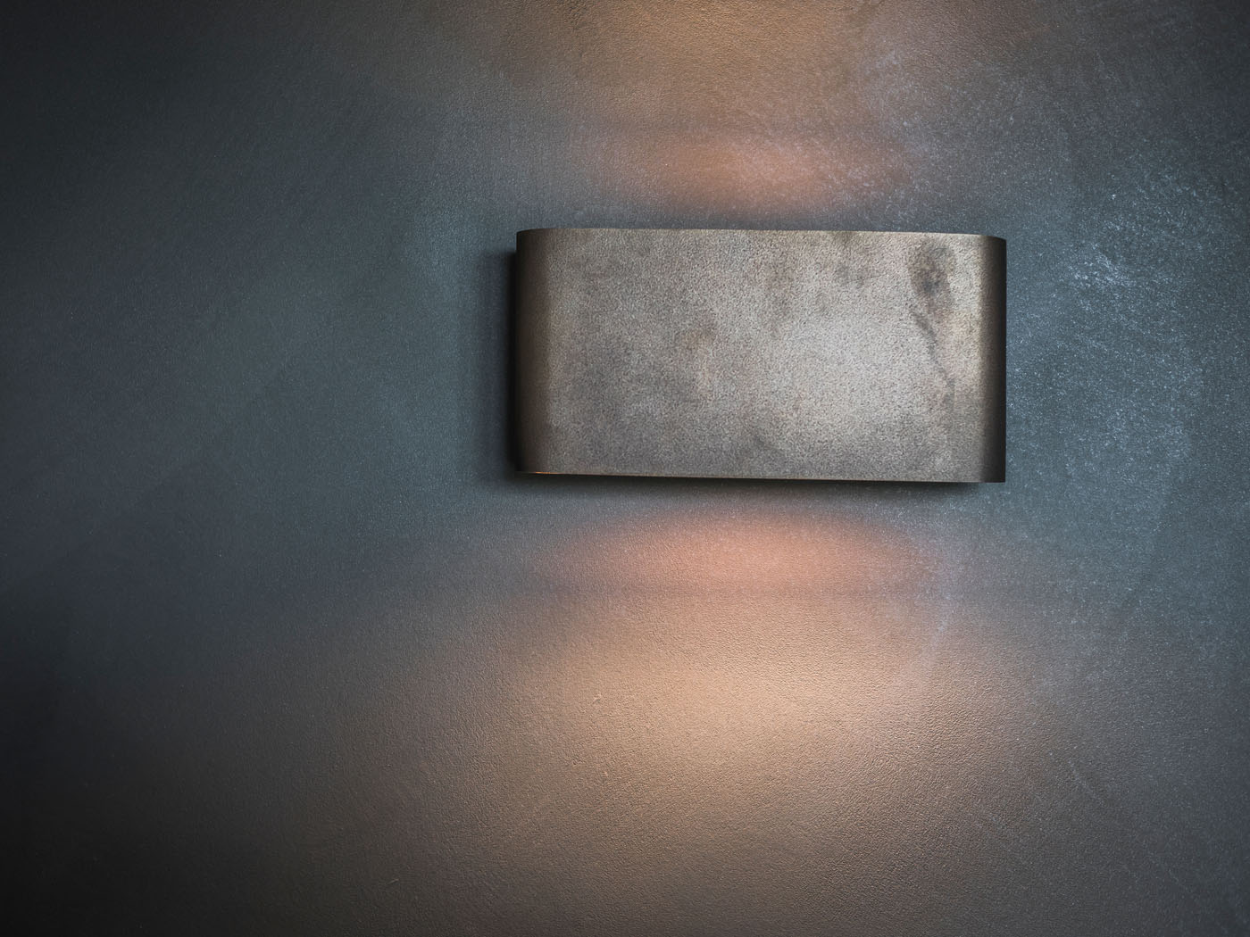 Smell of Metal stucwerk close up